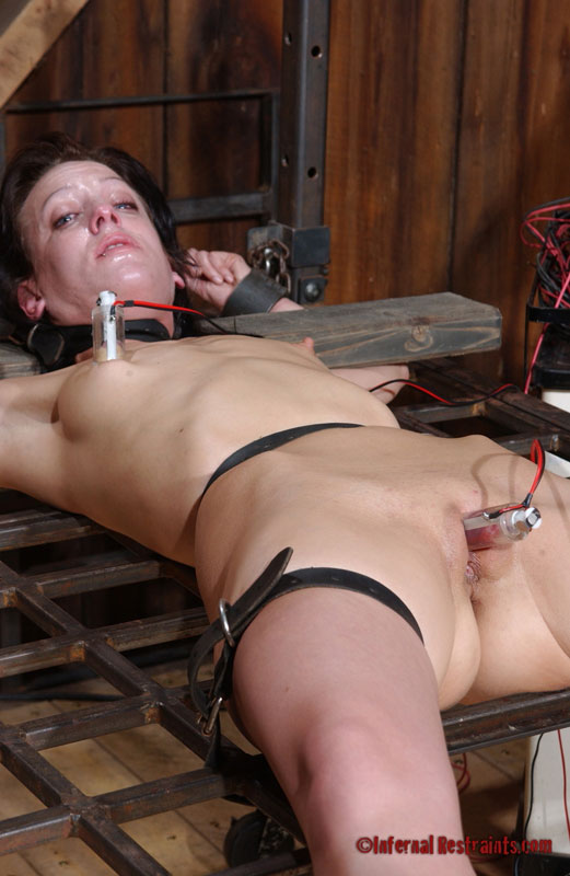 Punish her clit