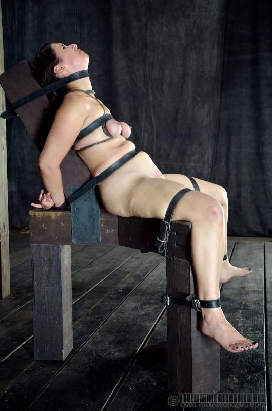 Lesbian fetish porn pics