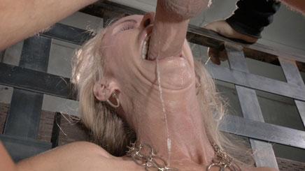 Drooling MILF Simone Sonay does epic deepthroat