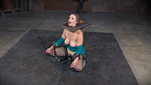 Shackled and suffering Bella Rossi vibrated with breathplay