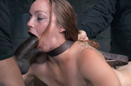 Bella Rossi does belt breath play while deepthroating
