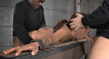 Sexy Selma Sins gets dicked down from both ends
