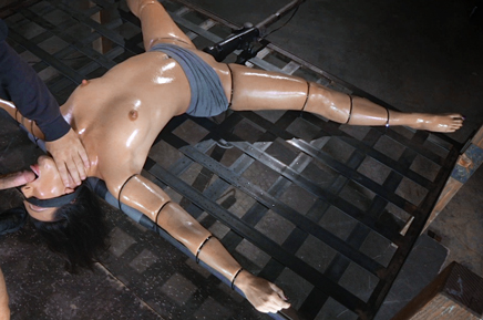 Blindfolded sex slave Wenona tied with punishing deepthroat