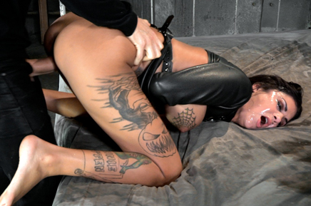 Messy sex and submission Bonnie Rotten rough fucking
