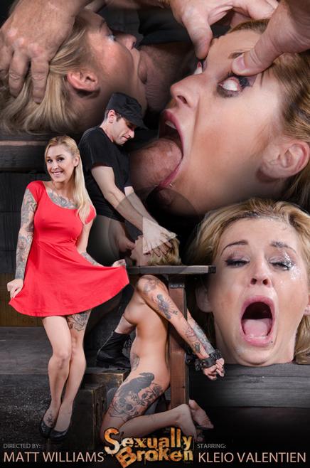 Tattooed Kleio Valentien Sexuallybroken sybian deepthroat