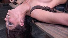Busty Syren De Mer taken form both ends by hard dicks