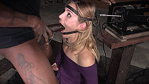 Bound Mona Wales cums her brains out on a sybian