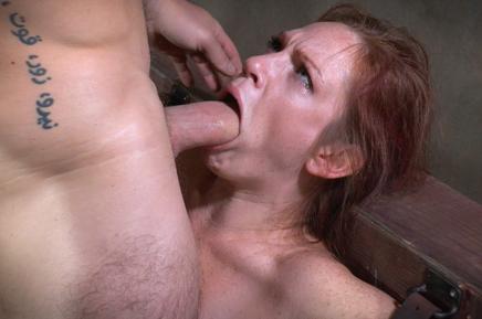 Cassandra giving blowjob