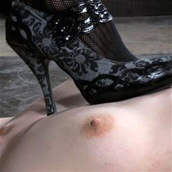 Girl next door Endza Topgrl nipple clamps to toes bondage